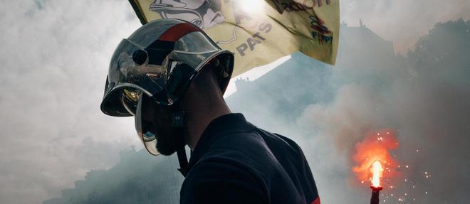 Dans un communique relaye par le syndicat national des sapeurs-pompiers et des personnels administratifs, techniques et specialises les pompiers denoncent l'attitude des forces de l'ordre lors de la manifestation du 15 octobre dernier a Paris (photo d'illustration).