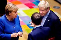 Angela Merkel, Boris Johnson et Emmanuel Macron, en pleine discussion.