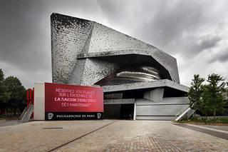 Selon les Ateliers Jean Nouvel, ce dépassement s'explique par la gestion défaillante du projet par la Philharmonie elle-même.