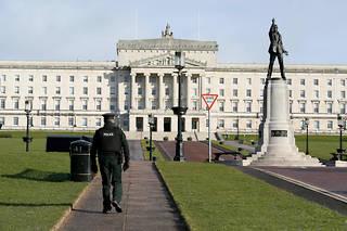 Dépourvue d'exécutif depuis janvier 2017 à la suite d'un scandale politico-financier, la province britannique d'Irlande du Nord a ses institutions politiques actuellement à l'arrêt.