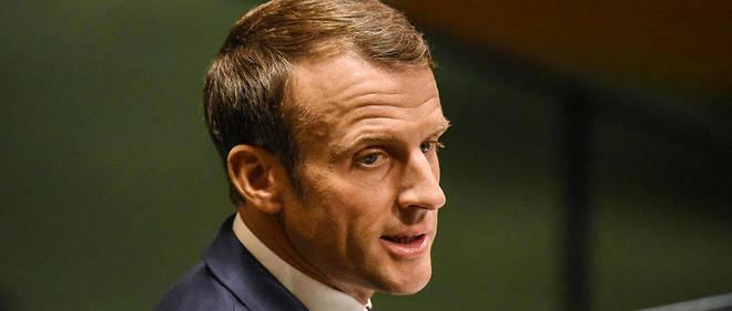 Le chef de l'État veut faire de sa visite sur le sol mahorais l'illustration du « deuxième pilier » de sa politique sur l'immigration : « la fermeté », selon l'Élysée.