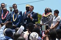 En visite à Mayotte et à La Réunion, Emmanuel Macron va se retrouver confronté à plusieurs défis sociaux de grande envergure.