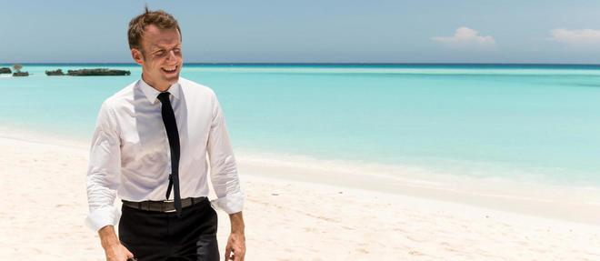 Emmanuel Macron a deambule sur la plage de Grande Glorieuse pendant plusieurs minutes.