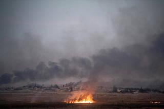Les présidents russe et turc ont décidé, dans un premier temps, de déployer des patrouilles militaires russes et syriennes dans les secteurs de la bande frontalière bordant la zone où l'armée turque a déclenché une opération militaire début octobre.