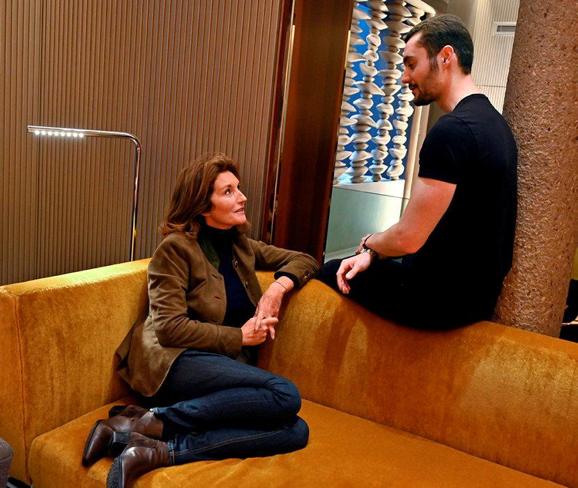 Match. Cécilia Attias et Louis Sarkozy, l'unique enfant qu'elle a eu avec Nicolas Sarkozy, ont échangé leurs points devue dans un grand hôtel parisien.