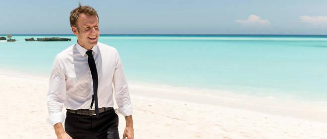 Emmanuel Macron a déambulé sur la plage de Grande Glorieuse pendant plusieurs minutes.