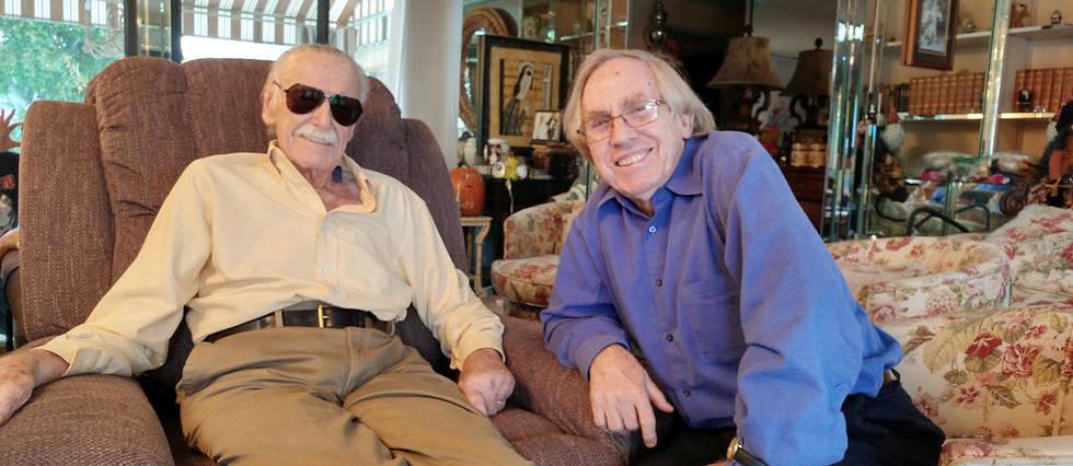 <p>Stan Lee et Roy Thomas (à droite sur la photo), le 10 novembre 2018 à Beverly Hills, au domicile du vénérable papa de Spider-Man et des Quatre Fantastiques. Déjà très affaibli, Stan Lee décèdera deux jours plus tard.</p>