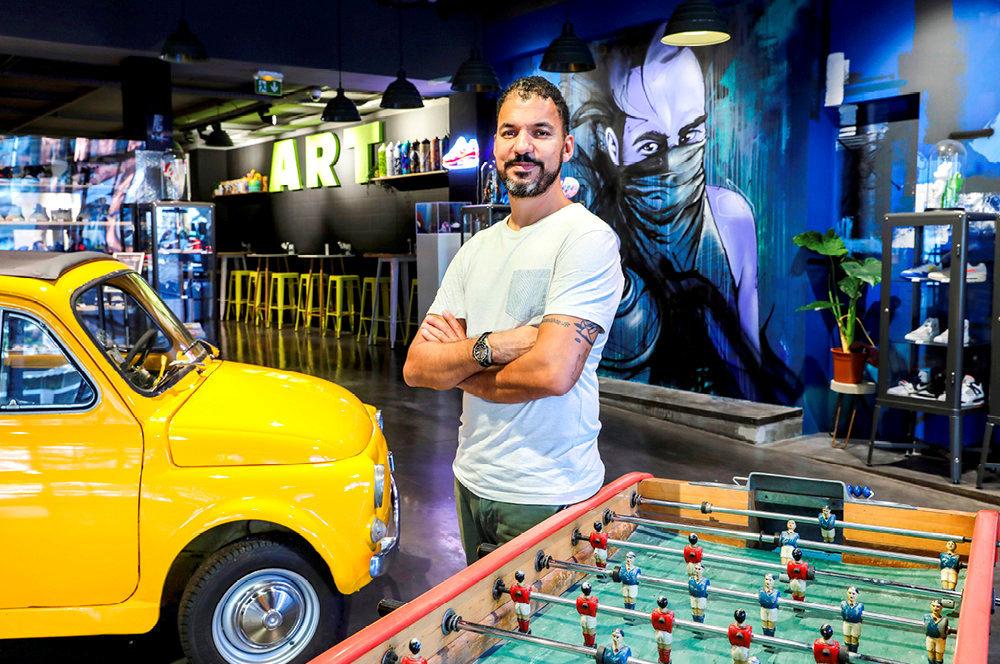 Graffeur. Loïc Mondé, cofondateur de Hors Ligne, une galerie augmentée dans le quartier Saint-Cyprien.