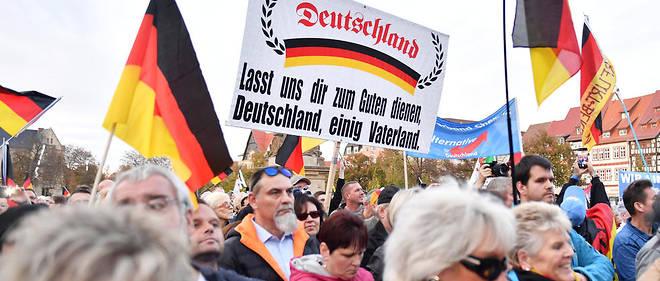 Des supporteurs du parti d'extrême droite AFD lors d'un rassemblement le 26 octobre 2019 à Erfurt.