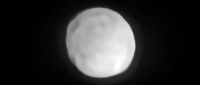 Parce que l'instrument SPHERE équipant le Very Large Télescope a montré qu'il était rond, l'astéroïde Hygie devrait bientôt devenir officiellement une planète naine.