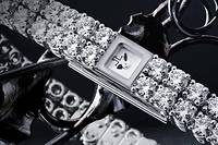 Montre Jaeger-LeCoultre 101 offerte en 2012 à la reine d'Angleterre pour marquer le 60 e  anniversaire de son couronnement.