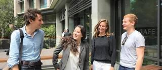 Pierre, Inès, Emma et Geoffrey, étudiants d'écoles d'ingénieurs françaises en séjour académique à Berkeley (Californie).
