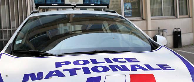 Un homme d'une vingtaine d'années, soupçonné d'avoir agressé samedi une femme à l'arme blanche en criant «Allah akbar» dans un commissariat de Saint-Denis de La Réunion, sans faire de blessé, a été interpellé et placé en garde à vue, a-t-on appris du parquet. Image d'illustration.