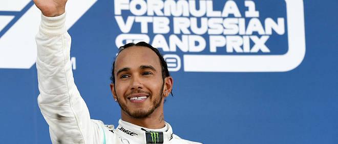 Lewis Hamilton a été couronné champion du monde en 2008, avec McLaren, puis 2014, 2015, 2017, 2018 et 2019 avec Mercedes.