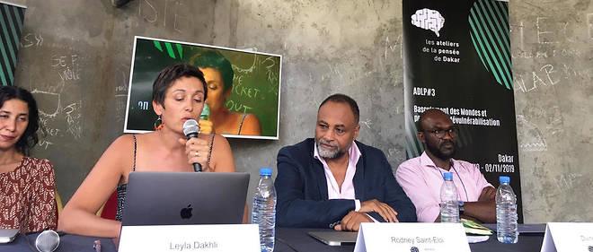 Dans la cour de Raw Material, de gauche à droite : Jamila Mascat, Leyla Dakhli, Rodney Saint-Éloi et Divine Fuh, dernier panel des Ateliers de la pensée 2019.