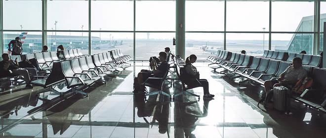 En dehors de Paris, l'aéroport de Nice, desservant plus de 100 destinations, est le seul en France à proposer une ligne quotidienne vers New York, Doha, Dubai ou Pékin (photo d'illustration)