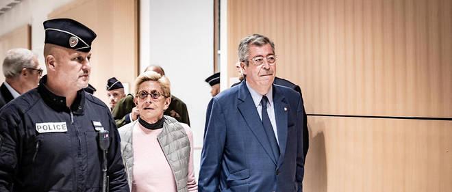 Isabelle et Patrick Balkany lors du verdict du procès pour fraude fiscale, avec leur avocatMe ÉricDupond-Moretti.