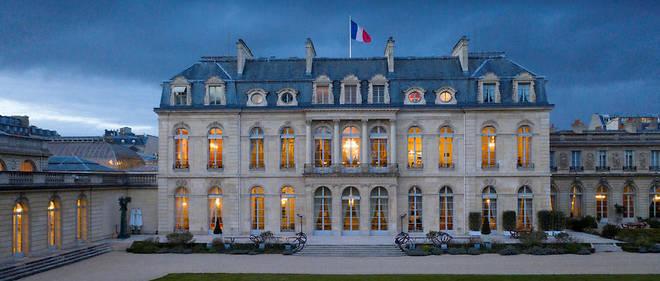 Pour tourner un téléfilm sur le général de Gaulle, la production avait déboursé 10000euros par jour pour le tournage.
