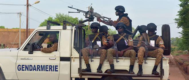Toute la region sahelienne, notamment le Mali et le Niger, voisins du Burkina, est affectee par les violences de groupes djihadistes.