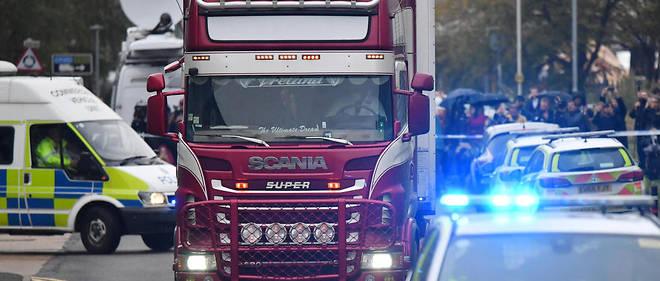 Le chauffeur du camion frigorifique a été inculpé d'homicide involontaire, de blanchiment d'argent et de complot en vue de favoriser une immigration illégale.