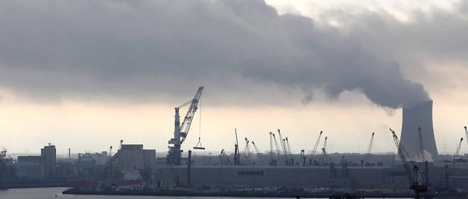 Une centrale à charbon à Rostock. Longtemps droguée au charbon, l'Allemagne éprouve beaucoup de difficultés à en sortir.