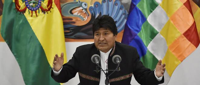 «J'appelle notre peuple à prendre soin pacifiquement de la démocratie et de la CPE (Constitution politique de l'État) pour préserver la paix et la vie en tant que biens suprêmes au-dessus de tout intérêt politique», a déclaré Evo Morales.