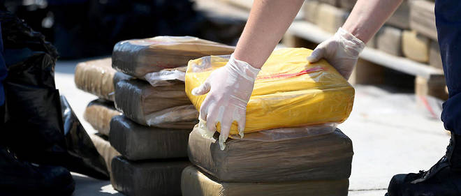 Des paquets de drogue saisis par les gardes-côtes américains en 2014, à Miami Beach en Floride. (Photo d'illustration.)