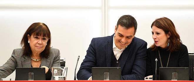 Après le dépouillement de 95% des bulletins de vote, le Parti socialiste (PSOE) de Pedro Sanchezne compte plus que 120 députés contre 123 après le précédent scrutin, en avril.