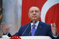 Le président turc Recep Tayyip Erdogan, ici lors d'un discoursr le 26 octobre, a indiqué vendredi que la Turquie avait capturé 287 personnes qui s'étaient échappées de prison.