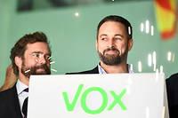 Le leader de Vox Santiago Abascal célèbre le bon score de son parti aux législatives.