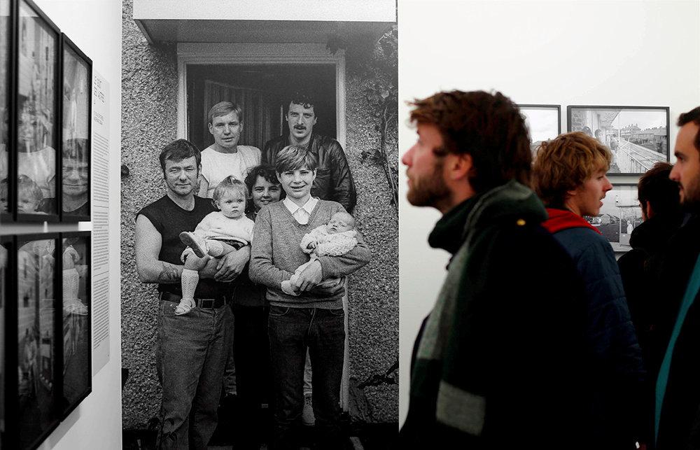Immersion. ExtraORDINAIRE, la première programmation de l'IPP, propose une série de regards sur le quotidien à travers septexpositions. Ici, «La famille Swan», de Colin Thomas (1983), un cliché extrait de l'accrochage «Home Sweet Home».