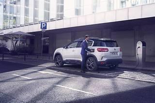 La Citroën C5 Aircross Hybrid devrait arriver en concessions à la fin du premier semestre 2020.