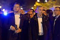 François Hollande arrivant près du Bataclan la nuit du 13 novembre 2015.