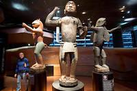 Des statues en bois du royaume du Dahomey au musée du quai Branly.