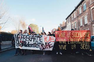 Des étudiants manifestent à Lille le 12 novembre 2019.