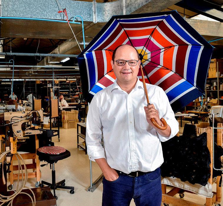 Tour de main. Matthieu Piganiol, patron de l'entreprise familiale.
