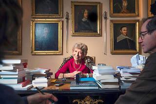 Hélène Carrère d'Encausse dans son bureau de l'Académie française. Spécialiste de la Russie, elle a prédit dès 1978, dans «L'empire éclaté», la fin de l'Union soviétique.