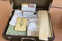 Ces valises ont ete deposees par Jean Genet chez Roland Dumas un mois avant la mort de l'ecrivain en 1986.