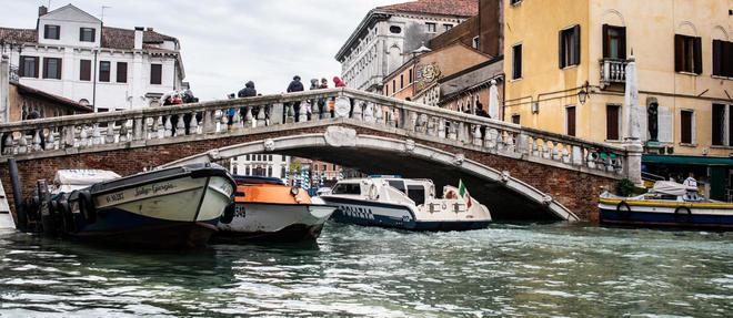 La ville de Venise est inondee a plus de 80 % .