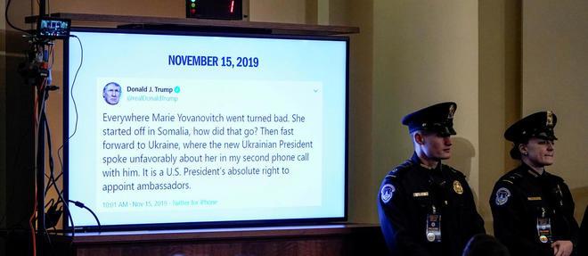 << Partout ou Marie Yovanovitch est passee, les choses ont mal tourne >>, a tweete Donald Trump une heure apres le debut de l'audition de la diplomate.