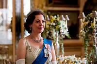 L'actrice anglaise Olivia Colman reprend le rôle de la reine Elizabeth II.
