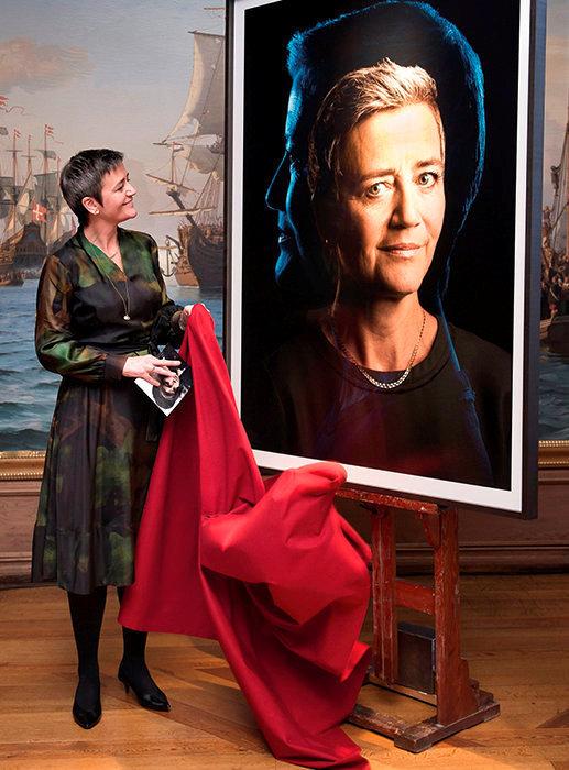Consécration. Le 22janvier 2018, Margrethe Vestager découvre son portrait réalisé par le photographe danois Soeren Solkær et exposé au château de Frederiksborg, à Hilleroed, au nord de Copenhague.