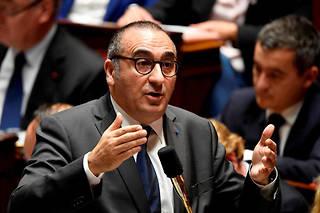 Laurent Nuñez indique que les pouvoirs publics ont fait fermer environ 130 débits de boissons.