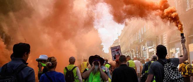Un an après leur irruption dans le paysage français, les Gilets jaunes ne parviennent plus à mobiliser les foules, mais certains espèrent un sursaut dans la rue.