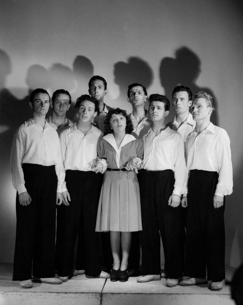 Édith Piaf, Les Compagnons de la Chanson ©  STUDIO HARCOURT / MINISTERE DE LA CULTURE / Rmn-Grand Palais