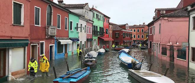 La très touristique île de Burano subit, elle aussi, les assauts des hautes marées de l'Adriatique.