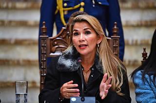 Jeanine Añez, une parlementaire de droite de 52 ans, a accédé à la présidence mardi.