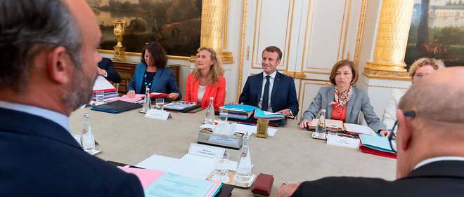 Édouard Philippe, Agnès Buzyn, Nicole Belloubet, Florence Parly et Emmanuel Macron autour de la table du conseil des ministres.