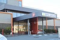 L'ancien chirurgien a notamment exercé au centre hospitalier de Jonzac, en Charente-Maritime.