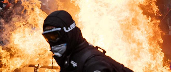Des scènes de violence ont eu lieu place d'Italie samedi 16 novembre.